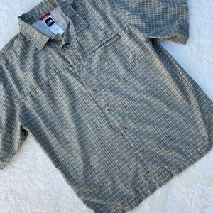 The North Face Men's Button Down Shirt Green  M